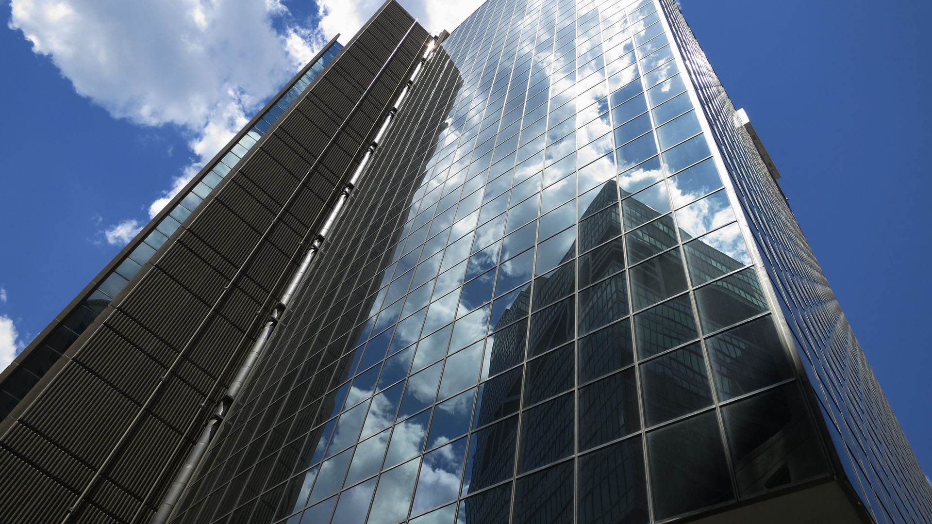 Skyscraper-Architecture-Design-Wallpaper